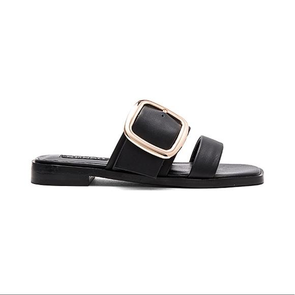 aea136183 Senso Leather Large Buckle Flat Block Heel Sandal